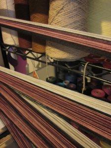Measuring yarns on the warping board